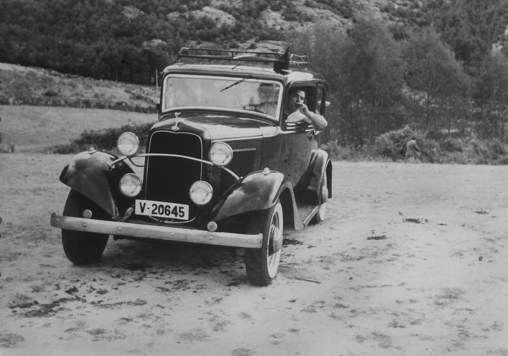 6 1960 Madrid Ford B.B 17 CV
