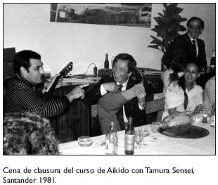Tamura y T. Sanchez con la guitarra