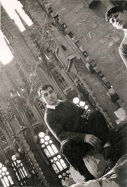 7-en-la-Sagrada-Familia-Barcelona-marzo-1970