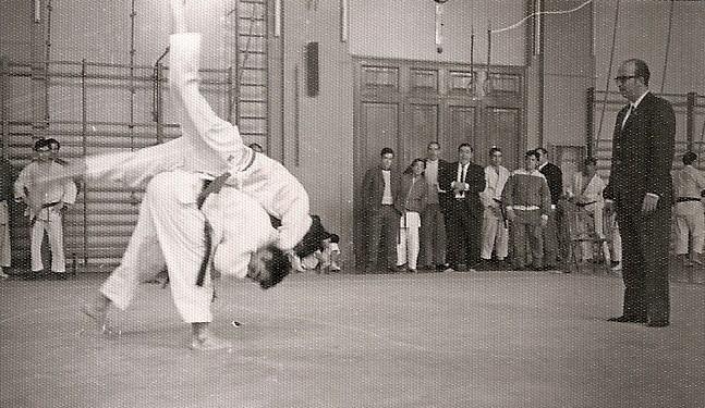 11Tomas marcando un punto en la eliminatoria Campeonato castilla pesos medios 1970