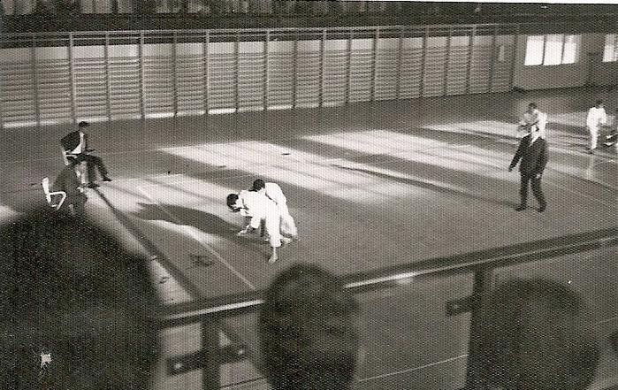 12 Tomas Sanchez en la Final del campeonato Castilla de Judo Contra Rafael Ortega 1970