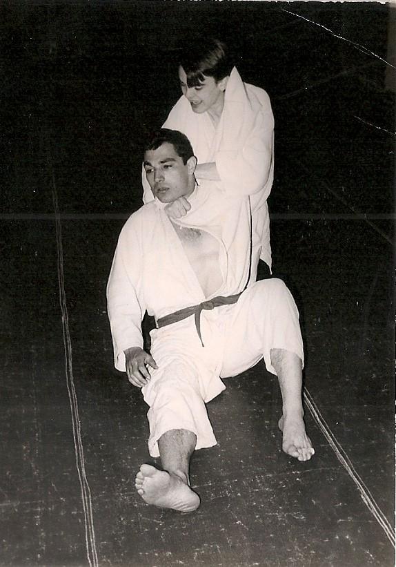 7 Tomas sufre una estrangulación Febrero 1967