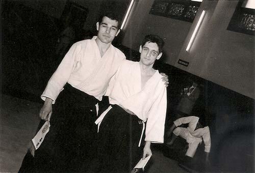 3-a-Tomás-Sánchez-y-Andrés-Domínguez-que-fue-la-primera-persona-que-le-habló-del-Aikido-de-Kitaura,-en-el-año-68-en-el-dojo-Coirema..