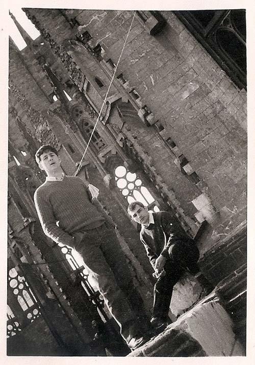 7-c--Aprovechando-una-visita-turística-por-Barcelona-en-la-Sagrada-Familia-1970-