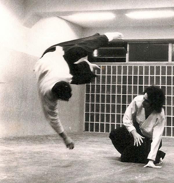 1971 Ukemi deTomas Sanchez en su clase del Coyrema