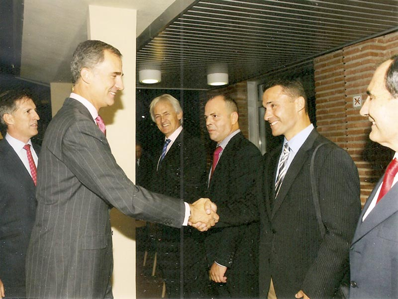 Felipe VI con Roberto Sanchez